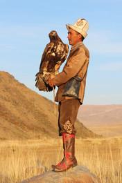Eagle hunter Kirgizië.jpeg