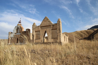 Moslimse begraafplaats Kirgizië.jpeg