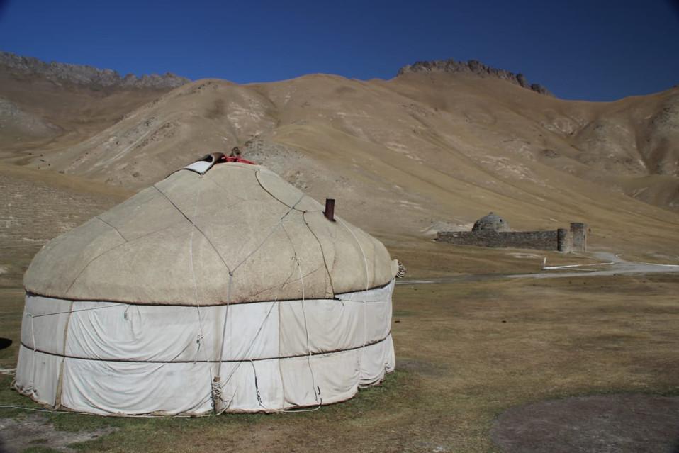 Yurt kirgizië.jpeg