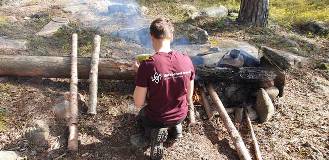 ontbijtje maken op het kampvuur