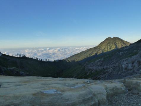View Iljen vulcano.JPG