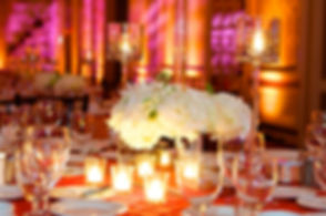 Wedding table in the evenng