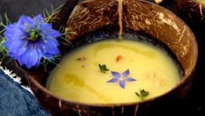 Velouté d'asperges à l'huile de noix