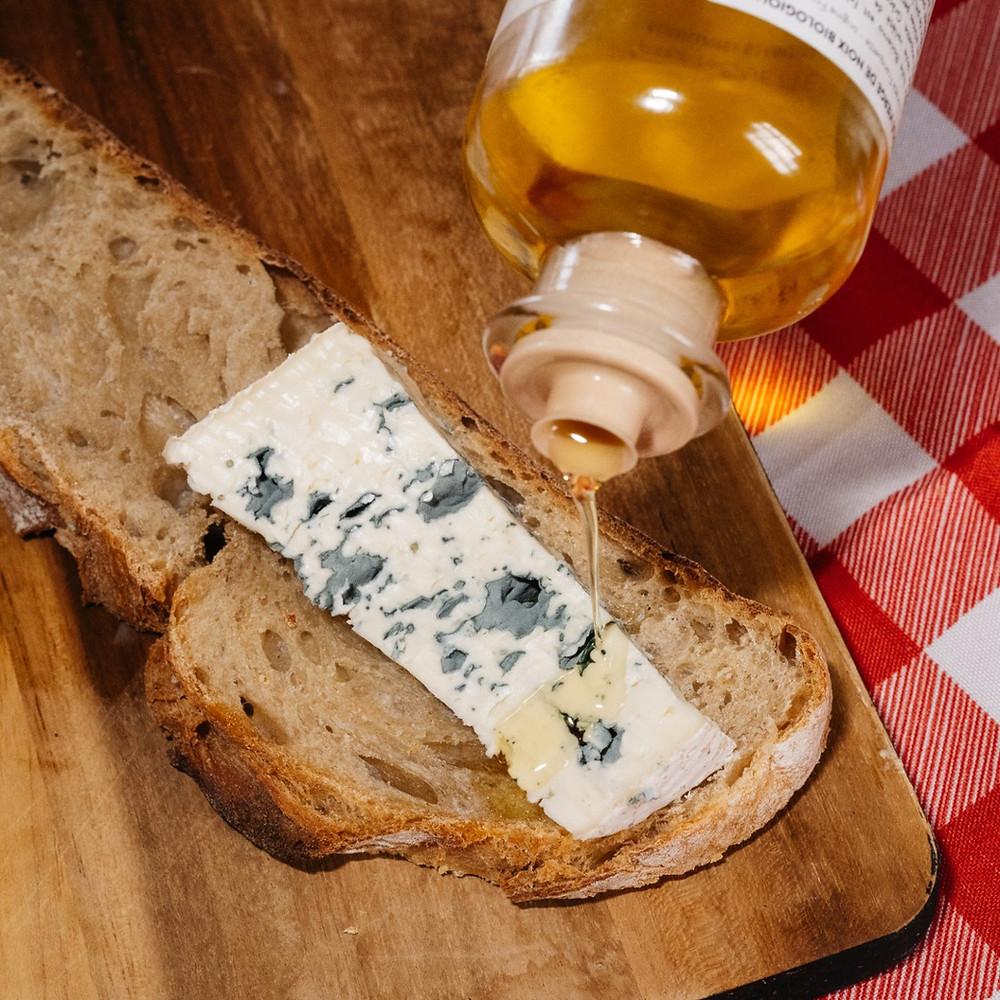 huile de noix bio bocerno et fromage