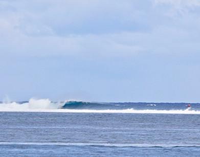 Tahiti Surf Guide, local knowledge and experience. Perfect surf in tahiti. Tahiti surf adventures, 4X4 SURF TOURS TAHITI