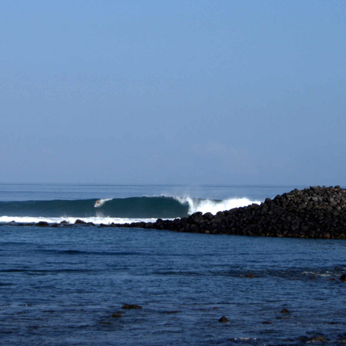Perfect right freight train in Galapagos Islands. 8 days 7 nights Galapagos Surf Camp. Exotic surf trips in Galapagos Islands. 4x4surftours.com