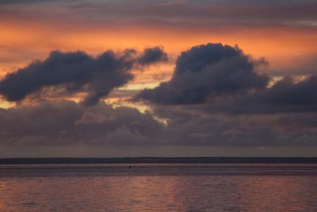 Sunset in Tahiti. Surf lodge, surf camp, surf trip to Tahiti. Perfect surf in tahiti. Tahiti surf adventures, 4X4 SURF TOURS TAHITI