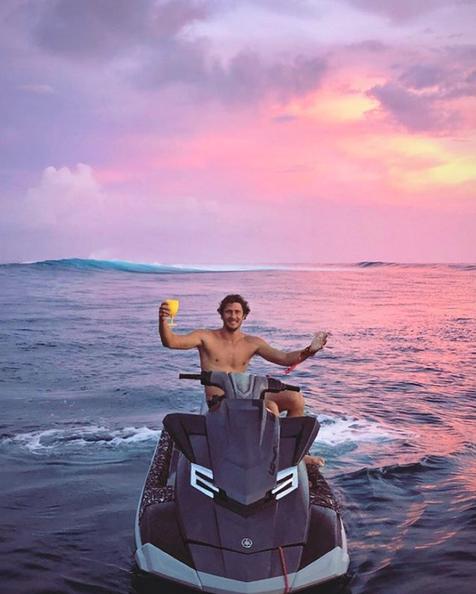 Tahiti Surfing Adventures 4x4 Surf Tours