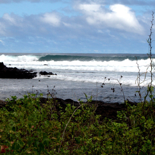 Perfect left pointbreak in Galapagos Islands. 8 days 7 nights Galapagos Surf Camp. Exotic surf trips in Galapagos Islands. 4x4surftours.com