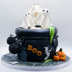 Novelty_Cakes_ghosts.jpg