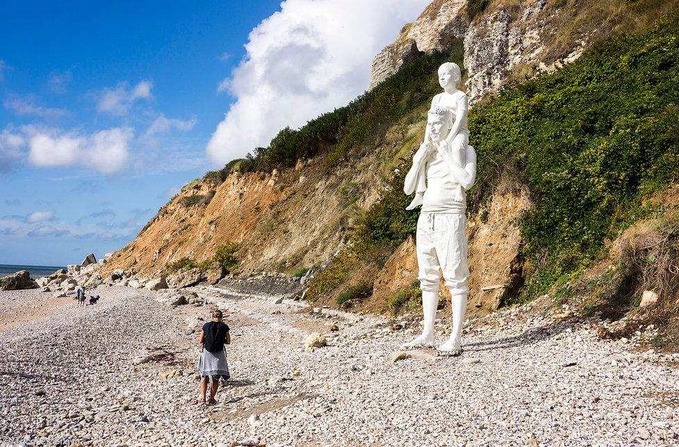 Jacques Bravo, la sculpture monumentale de Fabien Mérelle installée au Bout du monde