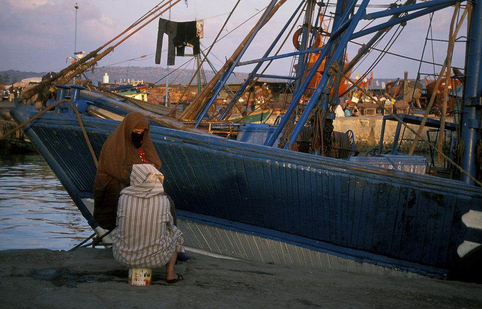 femmes pecheurs Essaouira, Maroc. Jacques Bravo