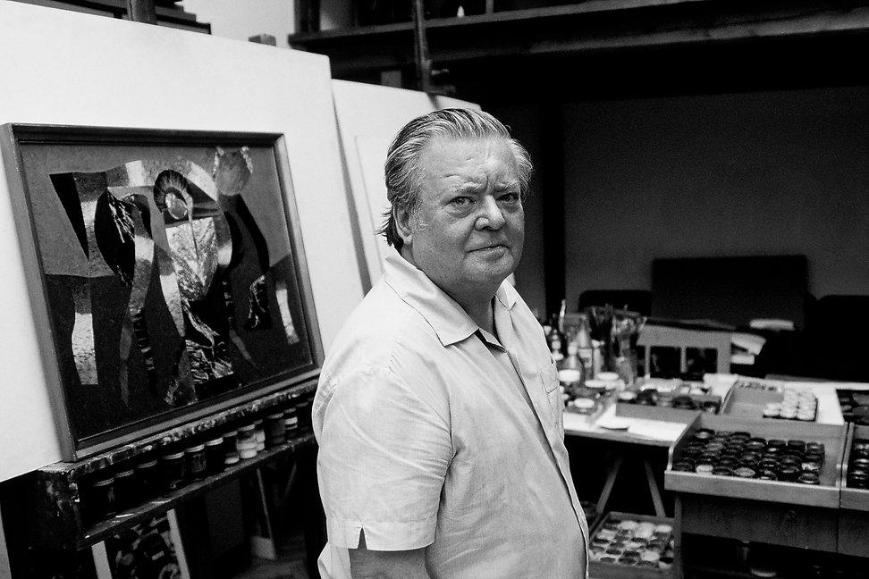 Le peintre Jozsef Polya dans son atelier à Budapest