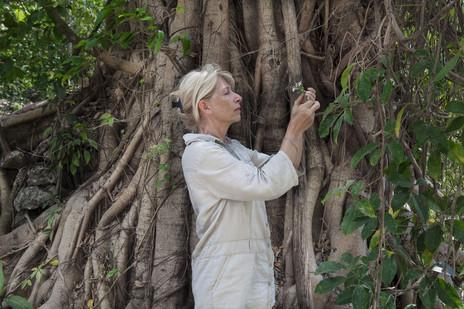 Francoise Brenckmann, Biologiste