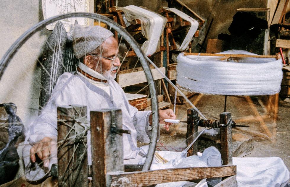 Filage de la soie à Fès. Maroc. Jacques Bravo