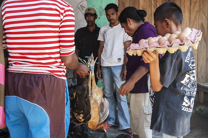 Ile d'Alor, marché de Kalabahi--3.jpg