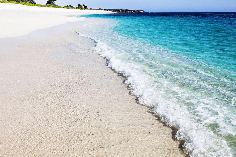 Ile de Rusa, indonésie, plage immaculée, ile vierge, petites iles de la sonde, ile déserte