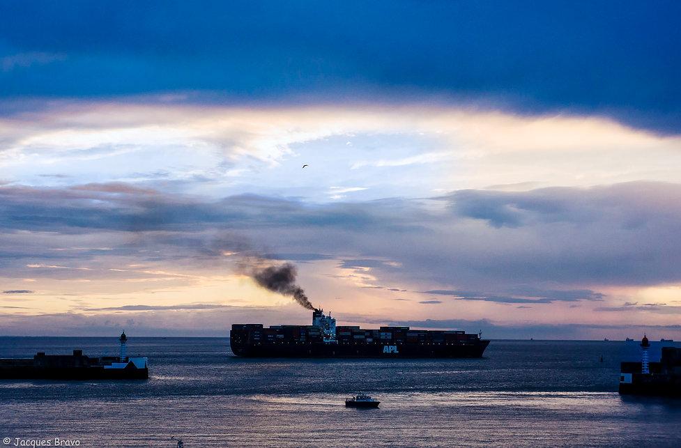 Départ de cargo du Havre