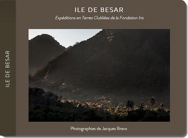 Carnet de voyage du photographe Jacques Bravo dans les peties iles de la sonde en Indonésie. Ile de Besar
