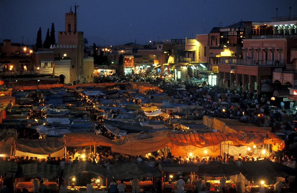 La place Jemaa el Fna à Marrakech. Maroc