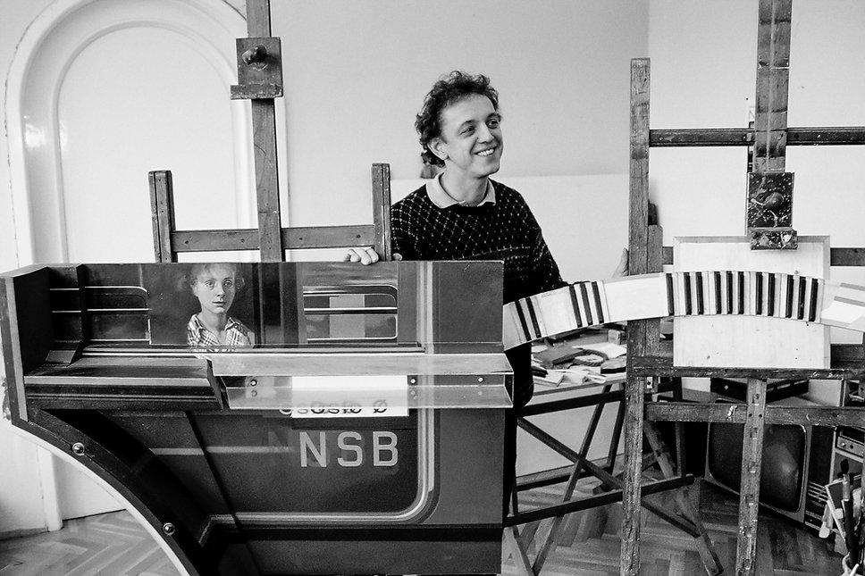 Le peintre et plasticien Márton Barabás. Photographie de Jacques Bravo