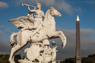 The equestrian sculptures of Paris
