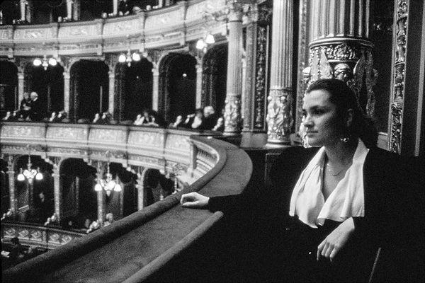 Dans la loge protocolaire de l'opéra de Budapest
