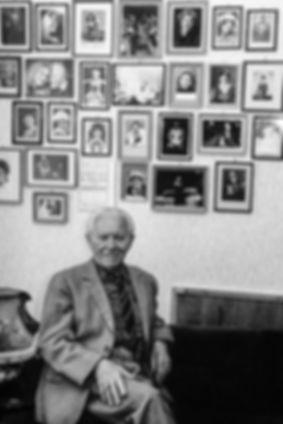 Le Dr Jenô Sipos, Professeur de chant