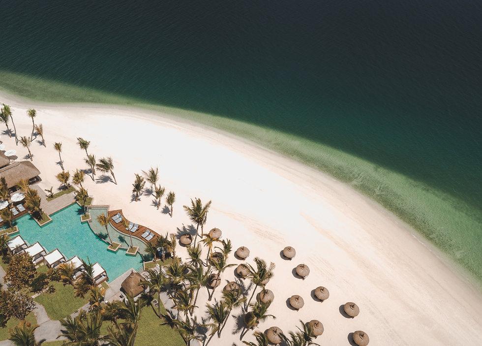 OO_LeSaintGéran_La-Pointe_Pool_Aerial-View.jpg