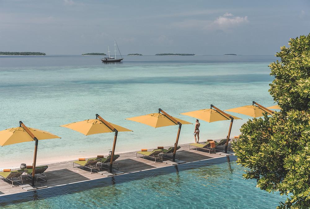 Anantara Kihavah Maldives Pool
