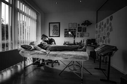 Isabella Marowski / Bei der Arbeit im Atelier Katzengold