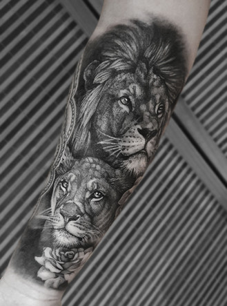 Lions & Rose Tattoo