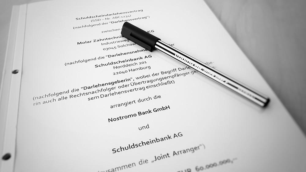 Schuldscheinvertrag. Foto (c) Sascha Roeber