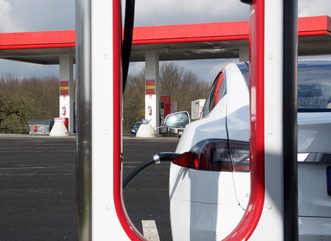 Model S: Besuch am Supercharger