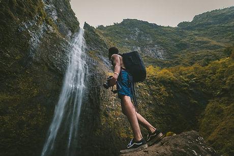 Viajante e Cachoeira - Agências