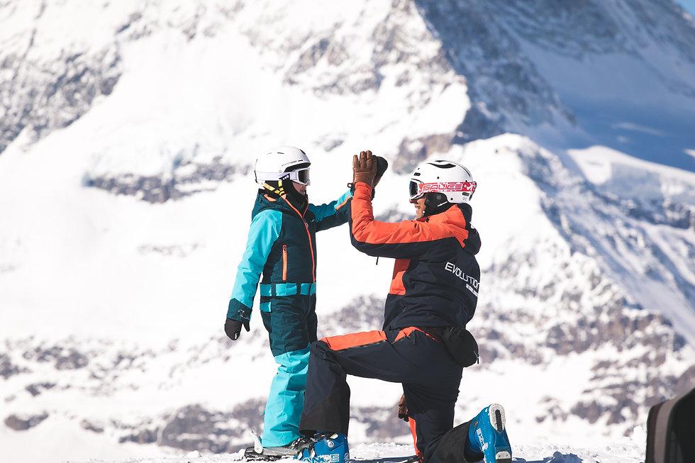 Kids group ski lessons Zermatt