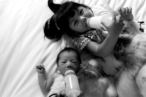 Photographer Newborn and Maternity photography in Bangkok, photo shoot Natural light,location Bangkok,Rayong,Hua Hin,Thailand. Photographer by Mansri Monkaew.