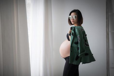 Photography Maternity Pregnancy photo shoot Bangkok,Thailand.ช่างภาพถ่ายภาพคนท้อง คุณแม่ตั้งครรภ์ ที่กรุงเทพมหาคร นนทบุรี ชลบุรี