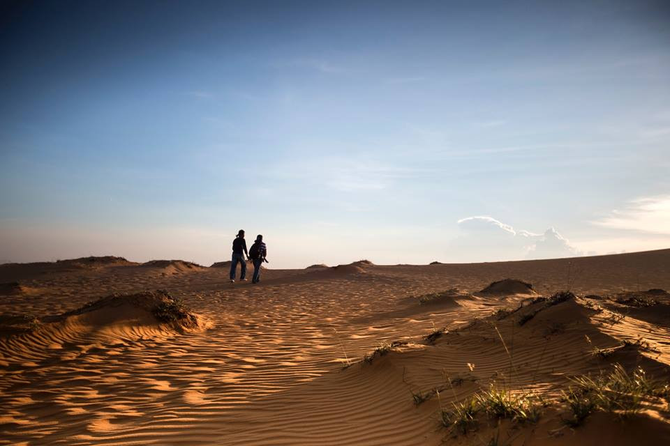 red Sand Dunes pre wedding in Mui Ne Vietnam