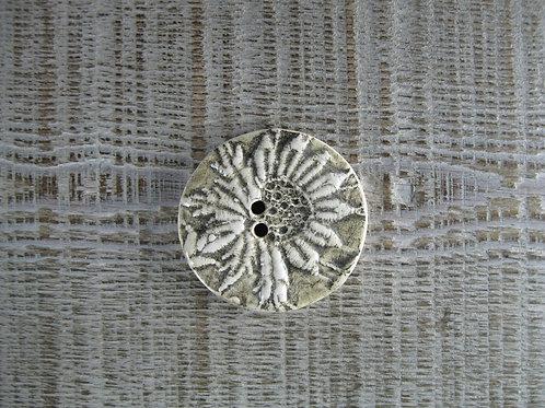 Bouton céramique edelweiss brodé