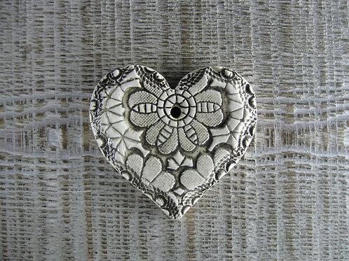Coeur céramique impression fleur dentelle