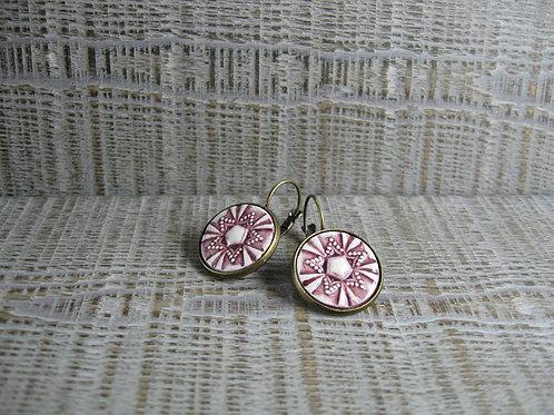 Boucles d'oreilles céramique rose sur laiton