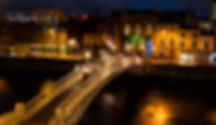 Ha'penny Bridge Dublin.jpg