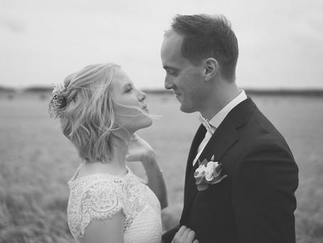 Nu har jag redigerat klart med Karin&Fredriks bilder! Det blev underbara bilder trots regn vädret!