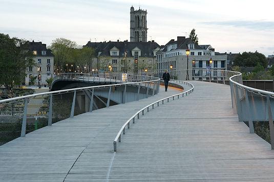 Footbridges over the Seine - A soft link between Mantes-La-Jolie & Limay