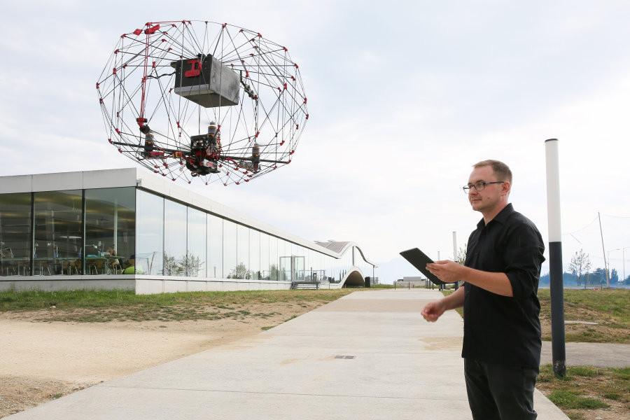 Drone-gaiola da EPFL