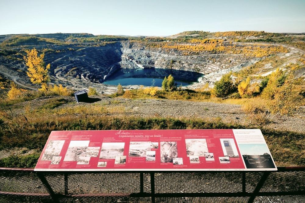 Cratera de Asbestos, Canadá