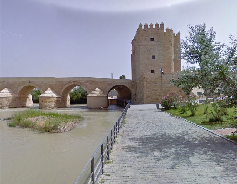 Uma ponte em Córdoba,na Andaluzia, Espanha, serviu de base para a imagem de uma ponte em Volantis, trabalhada em computador.