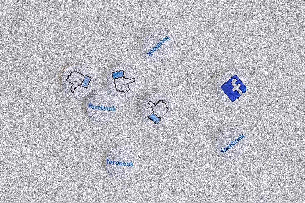 Ilustração sobre Facebook