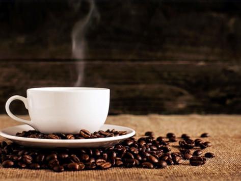 Dormiu mal? Não mergulhe de cara numa xícara de café